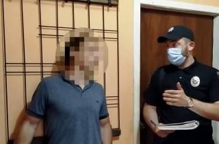 В Одессе отчим заставлял пасынка биться головой об стену