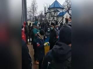 На Буковине представители ПЦУ захватили храм УПЦ