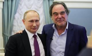 Легендарный американский режиссер привился от коронавируса российской вакциной