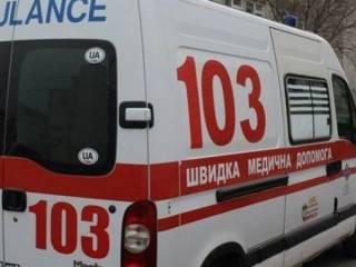 В Черновцах маленький мальчик выпал из окна многоэтажки и чудом выжил