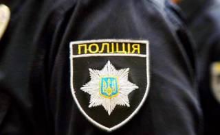 В Одессе молодой полицейский прямо на улице украл у женщины сумку с крупной суммой денег