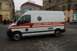 Пьяный неадекват избил двух женщин-медиков в Киеве