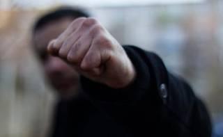 В Киеве подростки жестоко избили собутыльника и ограбили его