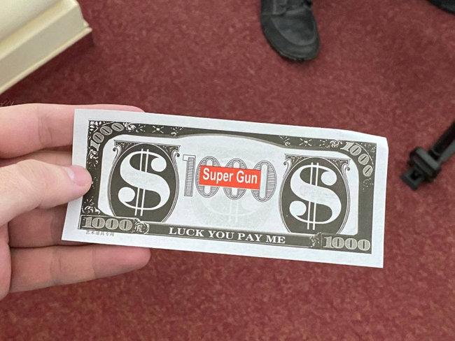 Сувенирные доллары на заседании Харьковского горсовета