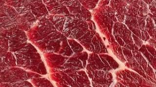 Диетологи поведали о страшной опасности, которая угрожает любителям красного мяса
