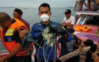 Обнаружены «черные ящики» разбившегося индонезийского «Боинга»