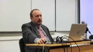 Разработчик украинской вакцины от коронавируса предпочел привиться американской