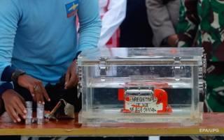 Со дна моря достали «черный ящик» разбившегося в Индонезии «Боинга»