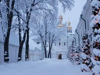 На Крещение в Киево-Печерской лавре верующие могут посетить 7 праздничных литургий