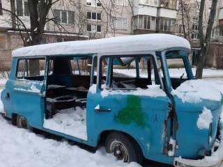 В заброшенном автомобиле на окраине Киева нашли замерзший труп иностранца