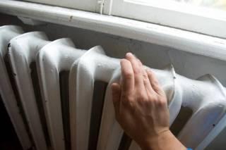 Украинцам пообещали не повышать тарифы на отопление и горячую воду