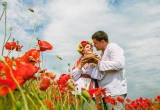 Для трети украинцев новый год начался очень счастливо