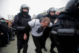 На митингах в поддержку Навального прошло рекордное число задержаний