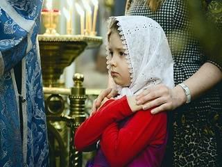 Митрополит УПЦ рассказал, как правильно причащать ребенка