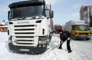 Киев закрывается от грузовиков
