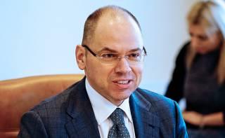 Министр Степанов ездит на авто, как у английской королевы. А живет в хоромах в центре Киева