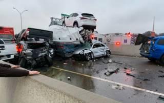 Более сотни машин столкнулись на автомагистрали в Техасе. Есть погибшие, много раненых