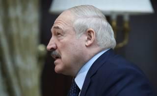 Лукашенко призвал отказаться от смартфонов