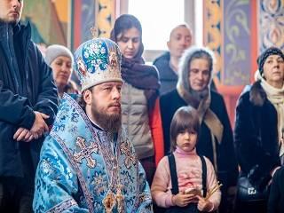 Епископ УПЦ объяснил, как уберечь детей от зависимости от соцсетей