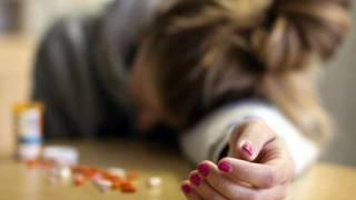 На Донбассе школьница наглоталась таблеток, не желая идти в школу