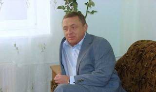 Мамка з парламенту і кілер за 100 тисяч: у Києві підприємець Петренко намагається відібрати бізнес партнерки
