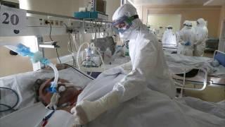 На Прикарпатье больницы переполнены пациентами с коронавирусом. Больных кладут прямо в коридорах
