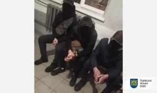 Во Львове предприимчивые безбилетники под видом «челленджа» проверяли билеты у других пассажиров
