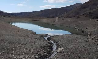 В Крыму обмелело известное озеро