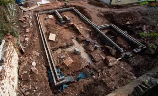 Пенсионер в Англии случайно обнаружил на участке средневековый дворец