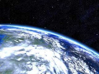 Американский спутник загадочно взорвался прямо на орбите Земли