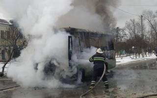 Под Киевом взорвалась и сгорела маршрутка