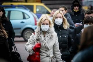 Жителей «красной» зоны заставляют носить маски даже на улицах и в парках