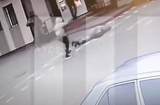 Появилось видео момента смерти женщины-военнослужащей в Черноморском