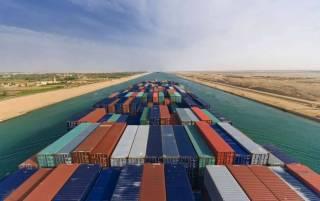 Названа впечатляющая сумма, которую мировая торговля теряет из-за затора в Суэцком канале