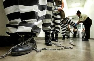 В Великобритании придумали, как отучить заключенных пить