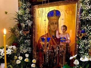 На Закарпатье в монастыре УПЦ замироточила икона Богородицы