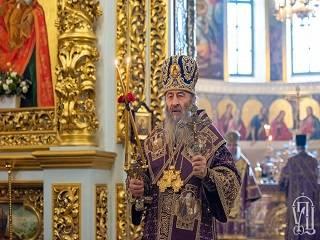 Предстоятель УПЦ объяснил, почему в Крестопоклонную неделю выносят Крест