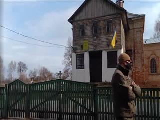 На Черниговщине праворадикалы захватили храм УПЦ