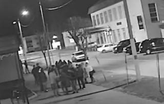 Опубликовано видео, как в Беларуси мужчина протаранил на авто группу людей