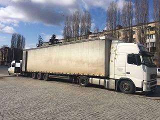 Черновицко-Буковинская епархия УПЦ отправила гуманитарную помощь переселенцам в Святогорскую лавру