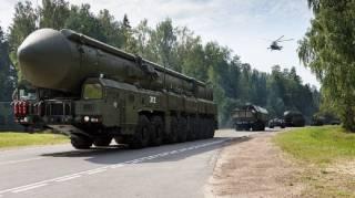 На фоне масштабной проверки боеготовности армии в России заговорили о ядерном ударе по Донбассу