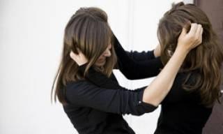 Несовершеннолетние девушки устроили жестокую расправу над одноклассницей в Торецке