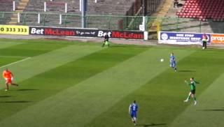 Североирландский футболист забил поистине уникальный гол