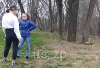 Появилось видео драки школьниц в Запорожье