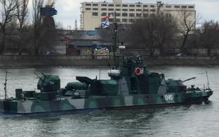 Россия направила в Черное море 15 военных кораблей