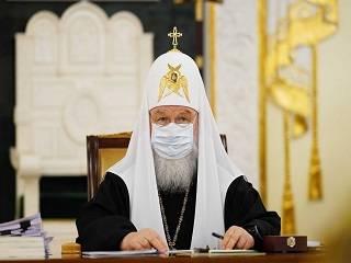 Патриарх Кирилл рассказал, как причащается в период пандемии