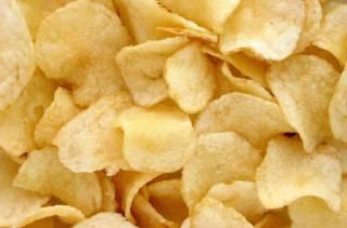Генетик огорошил всех любителей чипсов неприятной новостью