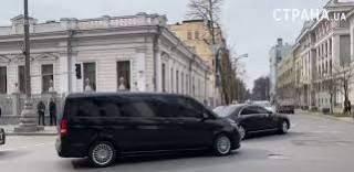 Ради комфорта Зеленского в центре Киева отключили светофоры