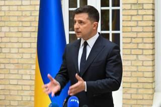 Зеленский не в состоянии противостоять такому политику, как Медведчук, поэтому надеется на Байдена, – французские аналитики