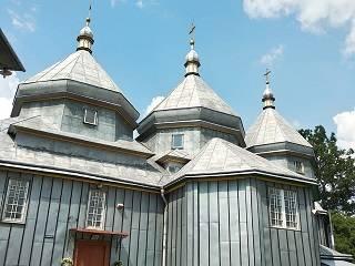 Чиновник Черновицкой ОГА требует отдать ключи от храма УПЦ не дожидаясь решения суда